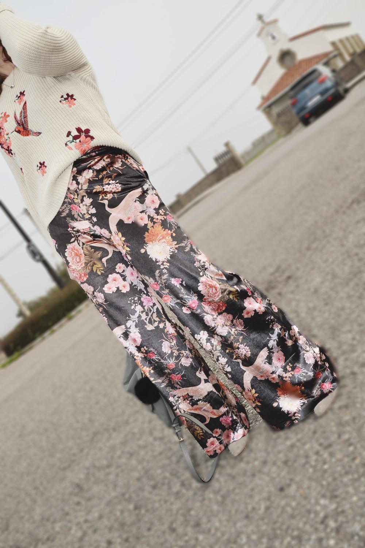 Jersey bordado y pantalón de terciopelo 2