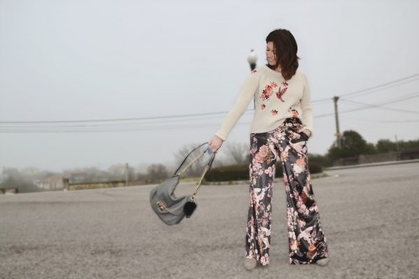 Jersey bordado y pantalón de terciopelo 6