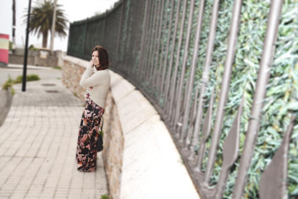 Jersey bordado y pantalón de terciopelo 7